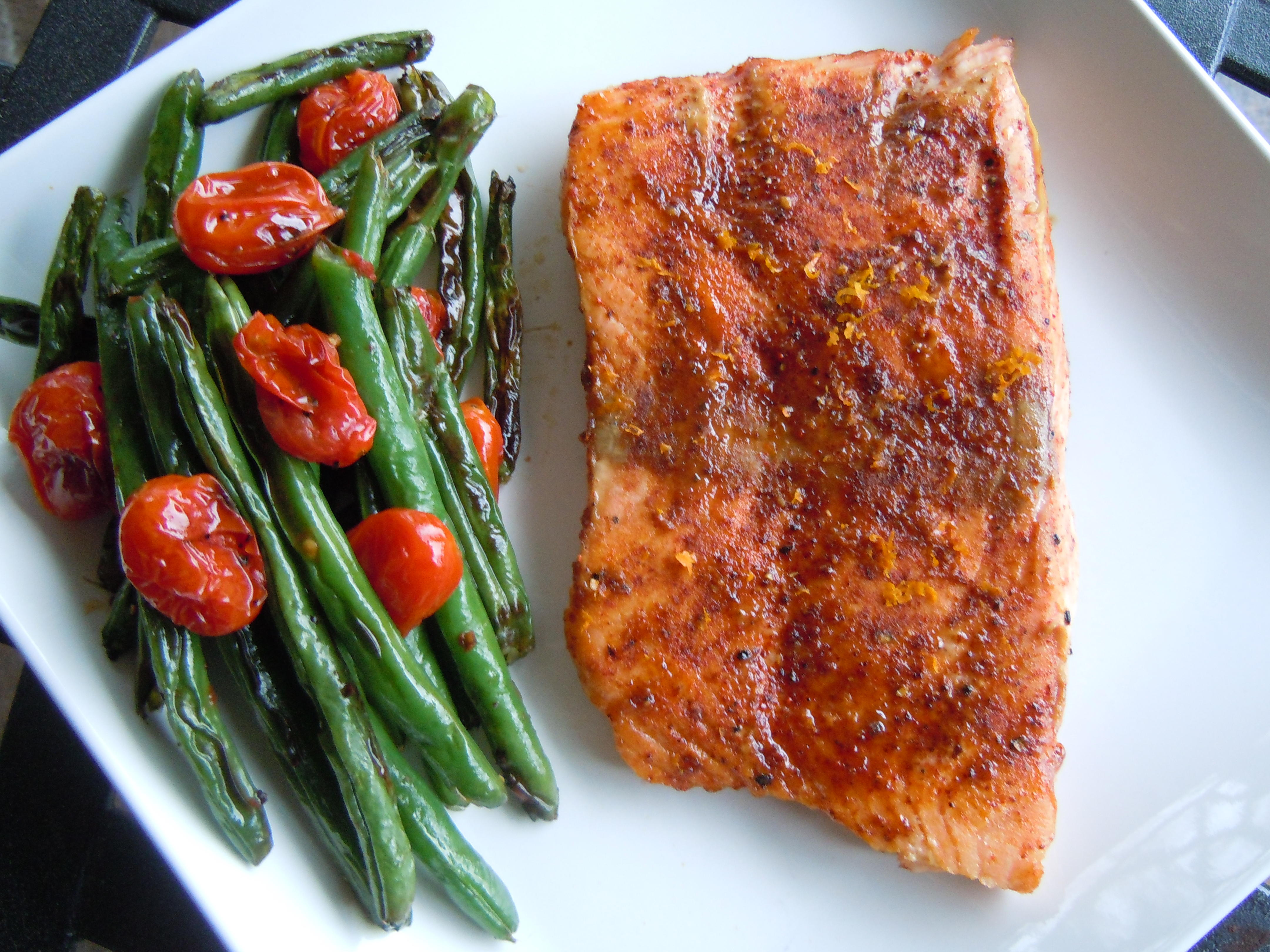 Roasted Salmon, Green Beans, and Tomatoes Roasted Salmon, Green Beans, and Tomatoes new pics
